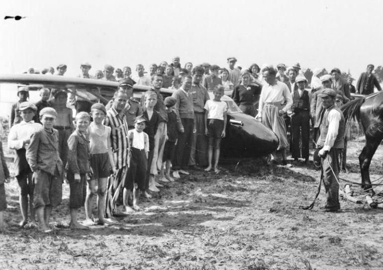 W 1938 roku na terenie Budek miało miejsce lądowanie w terenie przygodnym wyczynowca CW-5 bis.