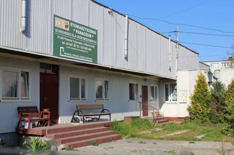 Schronisko przy ul. Wroniej. To tutaj osoby bezdomne znajdą pomoc.