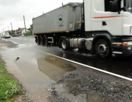 Mieszkańcy Niechcic walczą o budowę chodnika