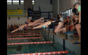 Pływacy z