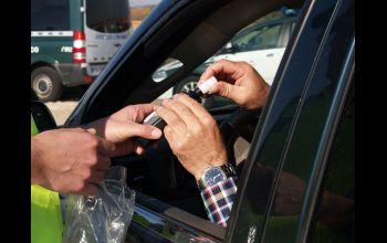 Kompletnie pijany kierowca trafił w ręce policjantów... przez pomyłkę