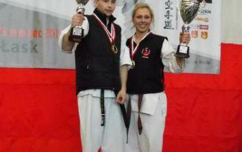 Pięć medali piotrkowskich karateków