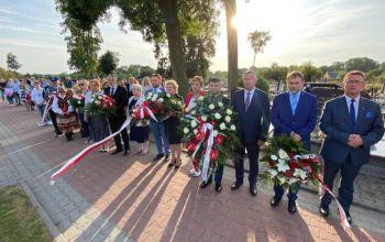 Gmina Wolbórz: Uroczystości przy wojennej kwaterze