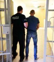 Rozbój na Mickiewicza w Piotrkowie. 27-letni piotrkowianin aresztowany