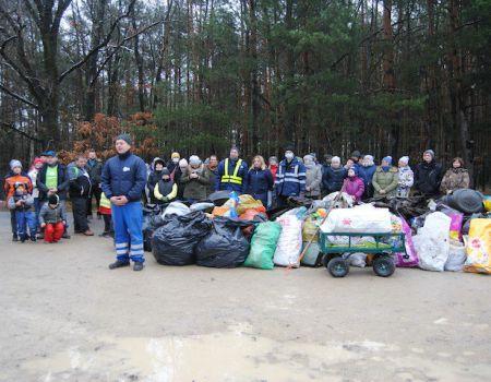 Posprzątali las w Borowej