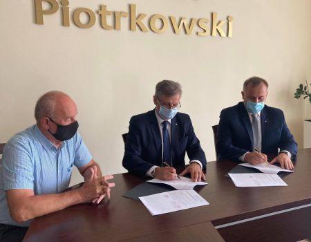 Blisko 6 mln złotych na przebudowę drogi Tuszyn-Czarnocin