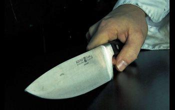 Ugodził nożem kompana od kieliszka