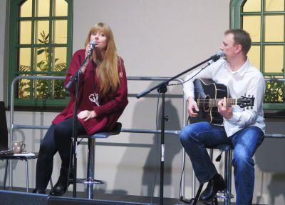 """Beata i Tomek zagrali muzyczną poezję """"Bez Nut"""""""