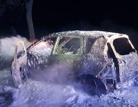 W gminie Gorzkowice doszczętnie spłonął samochód