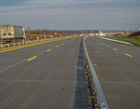 Budowa A1. Drogowcy oddają nowy węzeł, wiadukt i kolejny odcinek z nową nawierzchnią
