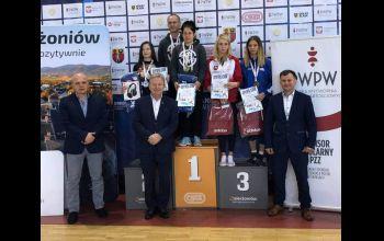 Pierwsze medale Mistrzostw Polski Seniorek w historii AKS