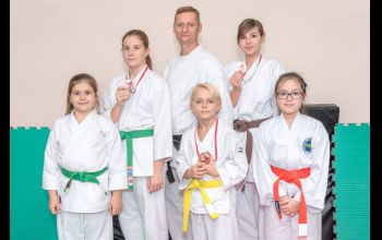 Młodzi karatecy zakończyli sezon na podium