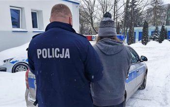 Pijana i poszukiwana w rękach policjantów