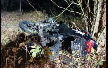 Stracił panowanie nad motocyklem i uderzył w drzewo. Zginął na miejscu