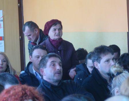 Mieszkańcy Tomawy protestują w sprawie likwidacji gimnazjum