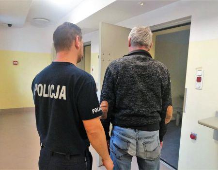 W Czarnocinie przejęto dziesiątki tysięcy nielegalnych papierosów