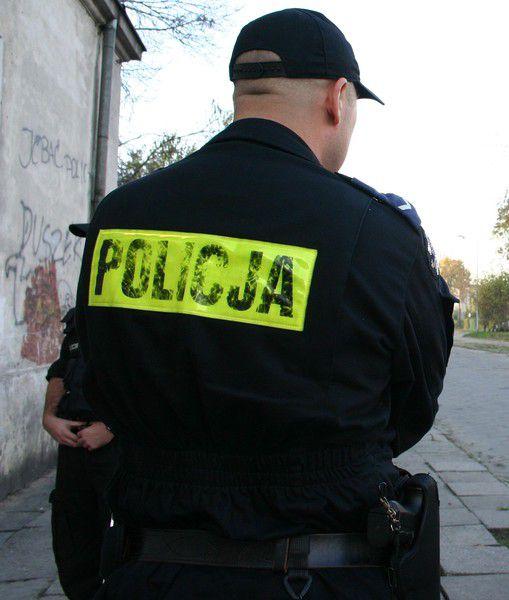 Nocna demolka w Radomsku. Młodzież zdewastowała tymczasowe rondo