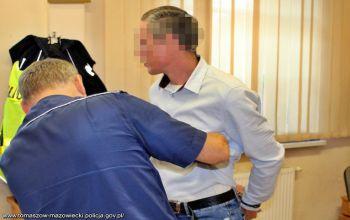 Fałszywy inkasent zbierał opłaty na konserwacjędomofonów