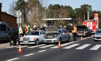 Cztery osobówki zderzyły się w Sulejowie (VIDEO)