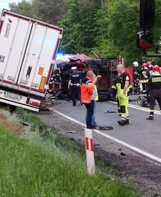 Dwie osoby zginęły w wypadku na DK 12