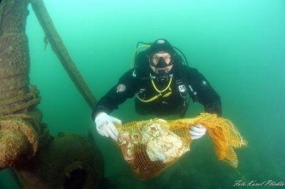 Posprzątali Wapienniki nad i pod wodą