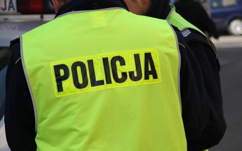 Bomba w blokach przy Wierzejskiej? Głupi żart postawił na nogi policjantów i strażaków
