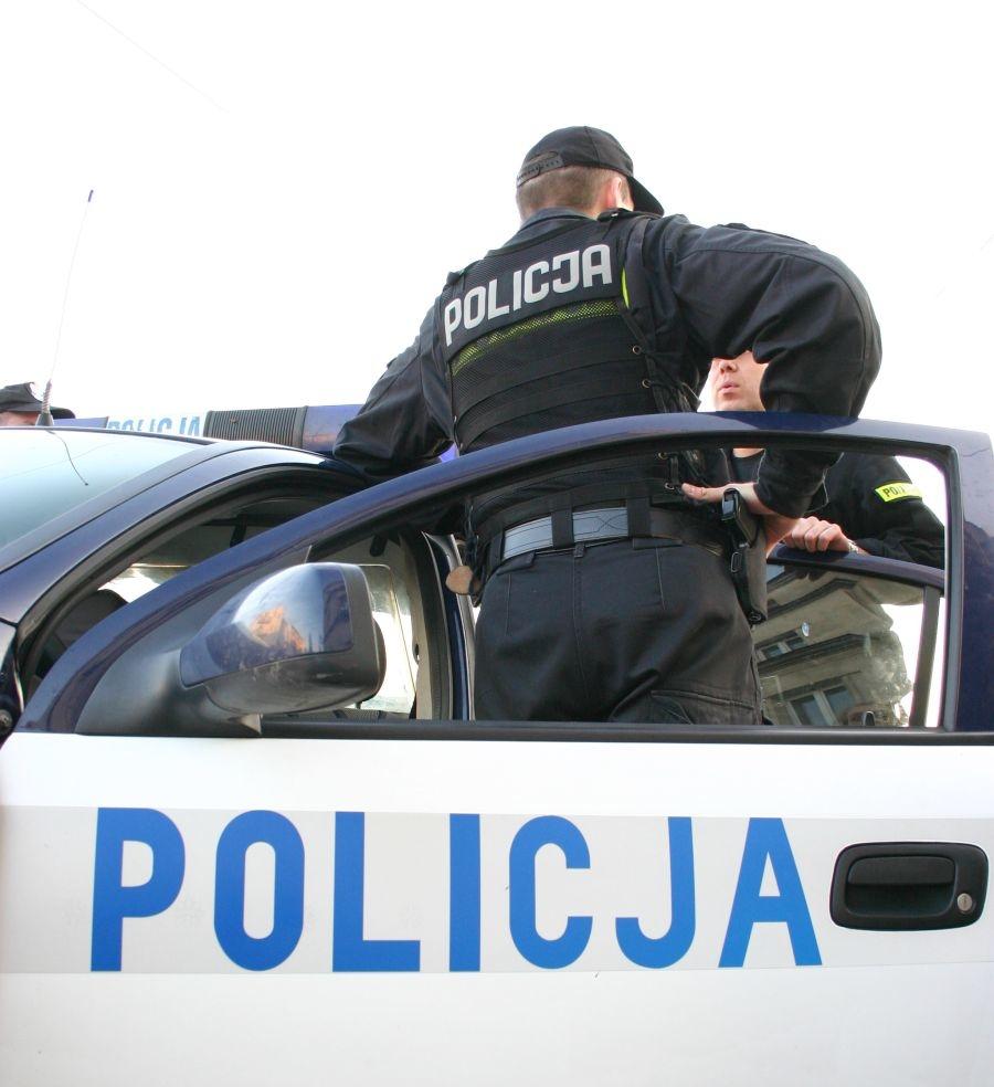 Kradzieże z włamaniem na terenie gminy Wola Krzysztoporska. Policja ostrzega!