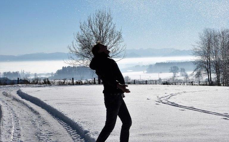 Zima na razie łagodna. Kiedy przybędzie śniegu?