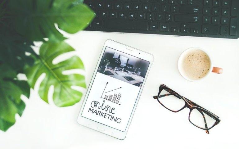 Jak reklamować swoją firmę w Internecie?