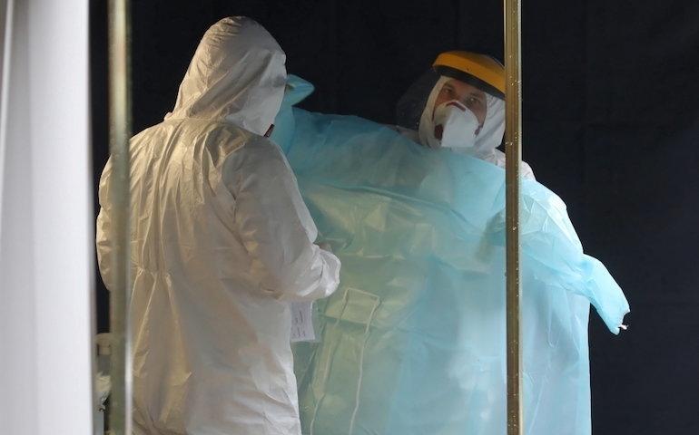 MEiN: w niedzielę rusza powtórne testowanie nauczycieli na obecność SARS-CoV-2