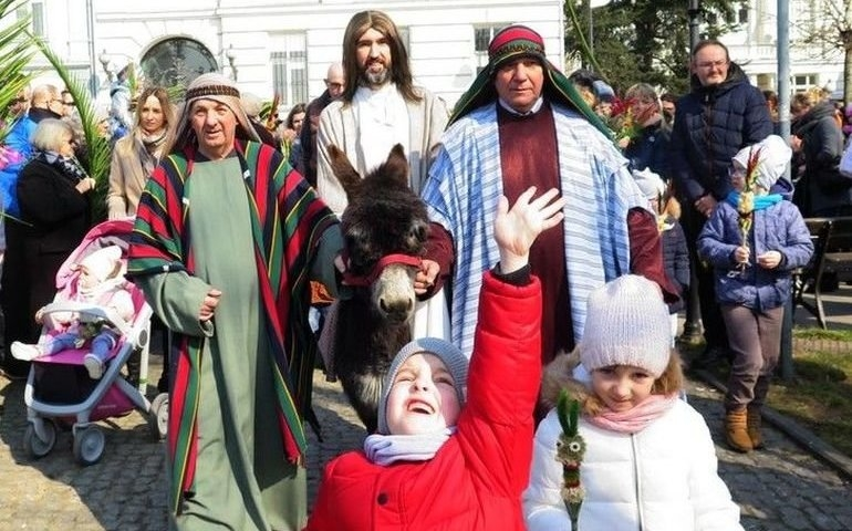 Przez Piotrków przejdzie procesja upamiętniająca wjazd Chrystusa do Jerozolimy
