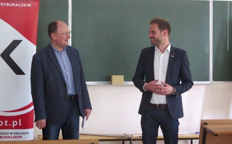 Przedwyborcze debaty polityczne na UJK w Piotrkowie