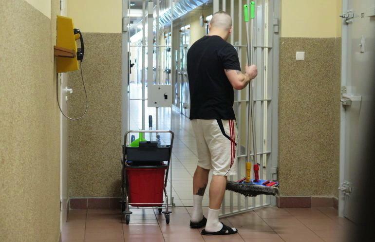 Areszt to nie hotel, nie ma tam sprzątaczek