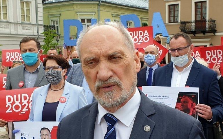 A. Macierewicz: