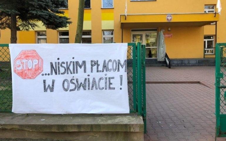 W Piotrkowie i powiecie nauczyciele też strajkują