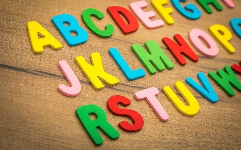Język angielski dla dzieci - kiedy zacząć naukę i jaką metodę wybrać?