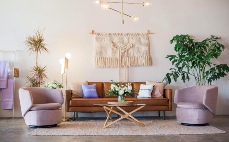5 pomysłów na to, jak odświeżyć swój salon bez remontu