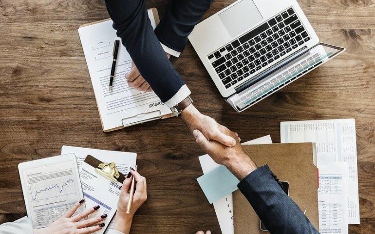 Jobsora - najlepsza strona wyszukiwania ofert pracy