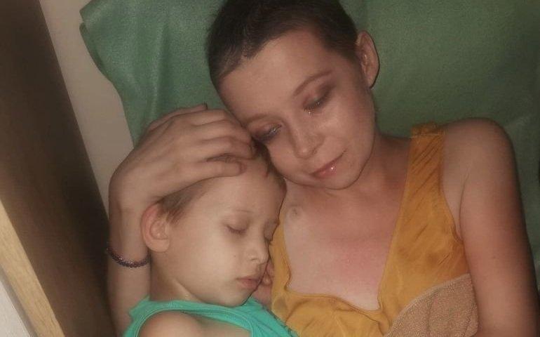 Ostatnie marzenie Kasi to własny pokój dla synka, żeby nie patrzył na cierpienie mamy...