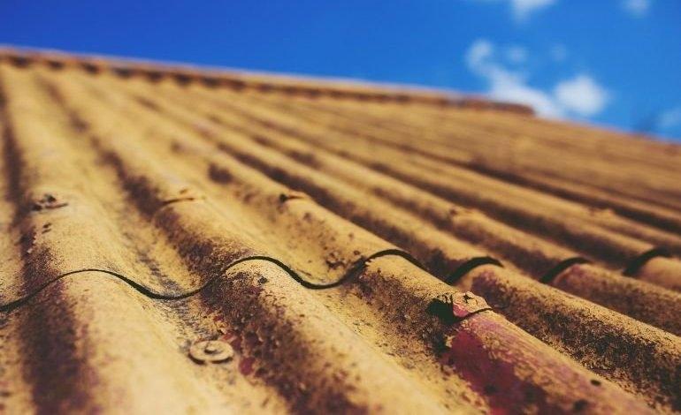 Gmina Sulejów: Azbest znika z posesji