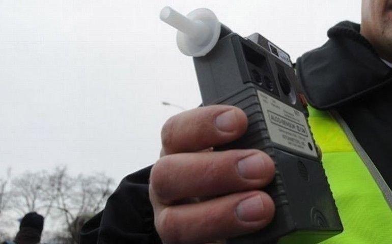 Strażnicy miejscy zatrzymali pijanego kierowcę. Pomógł sygnał od mieszkańca