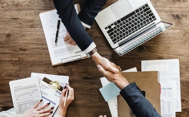 Karta przedpłacona, czyli idealny sposób na zarządzanie wydatkami firmowymi