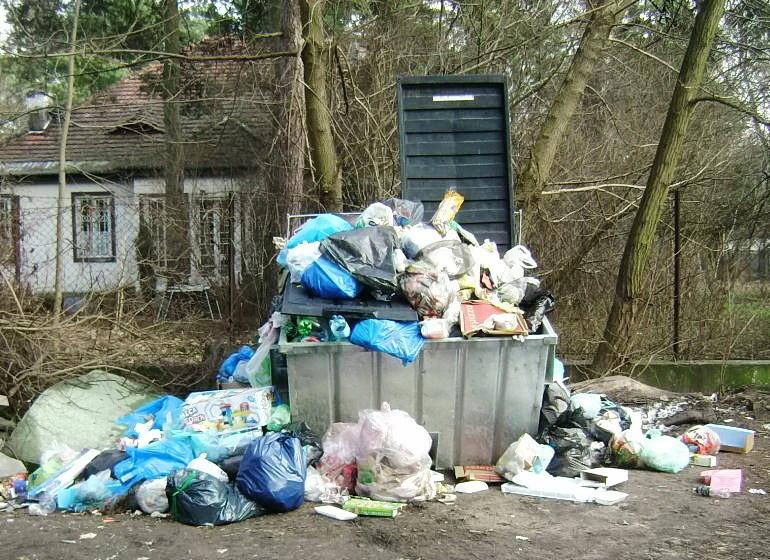 Jak duży jest dług piotrkowian z tytułu opłat za śmieci?